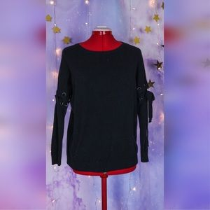 Black soft loose sweater with laced sleeves